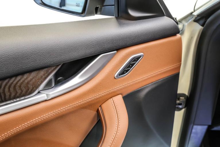 Used-2017-Maserati-Levante-Base