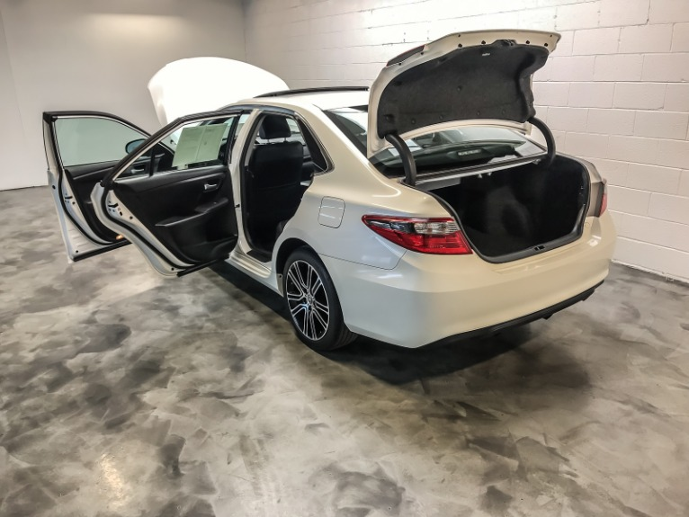 Used-2016-Toyota-Camry-XLE