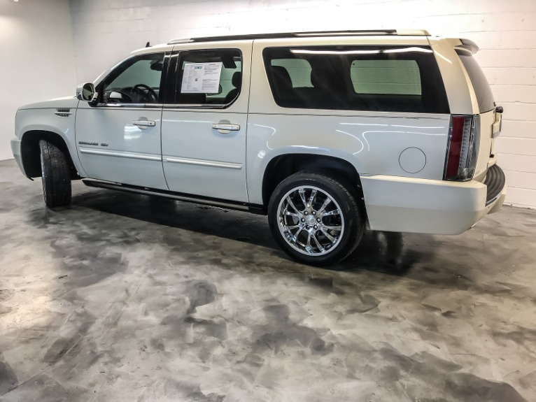 Used-2014-Cadillac-Escalade-ESV-Premium